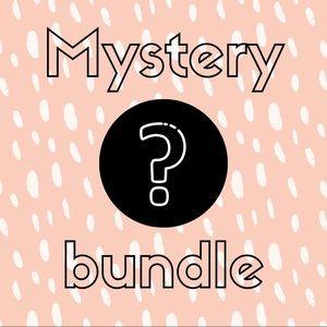 ✨ Mystery Bundle ✨ Small / Medium Women Mall Brand